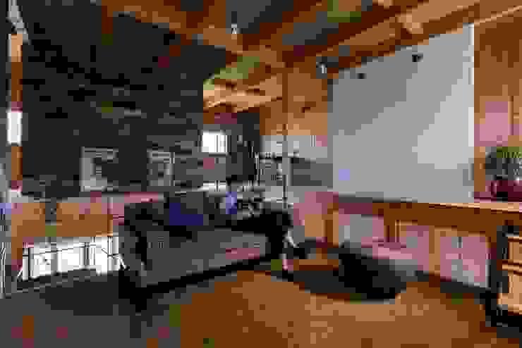 ishibe house ラスティックデザインの リビング の ALTS DESIGN OFFICE ラスティック 木 木目調