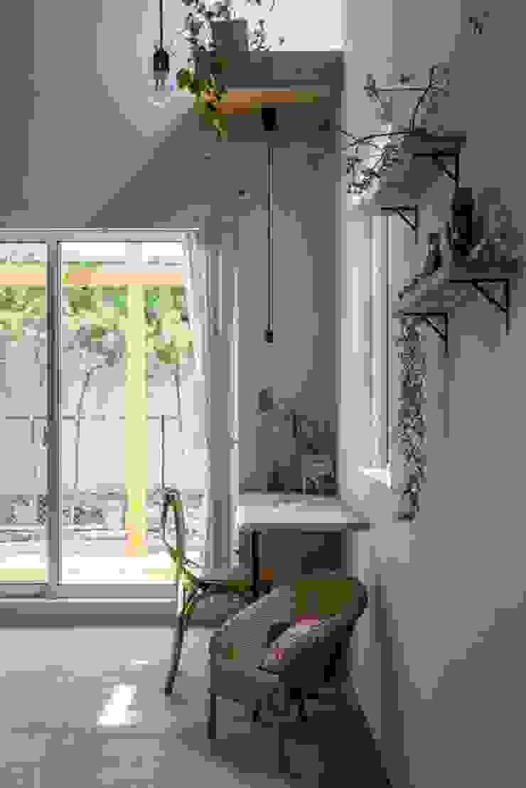 ALTS DESIGN OFFICE Estudios y despachos de estilo rústico Madera Acabado en madera