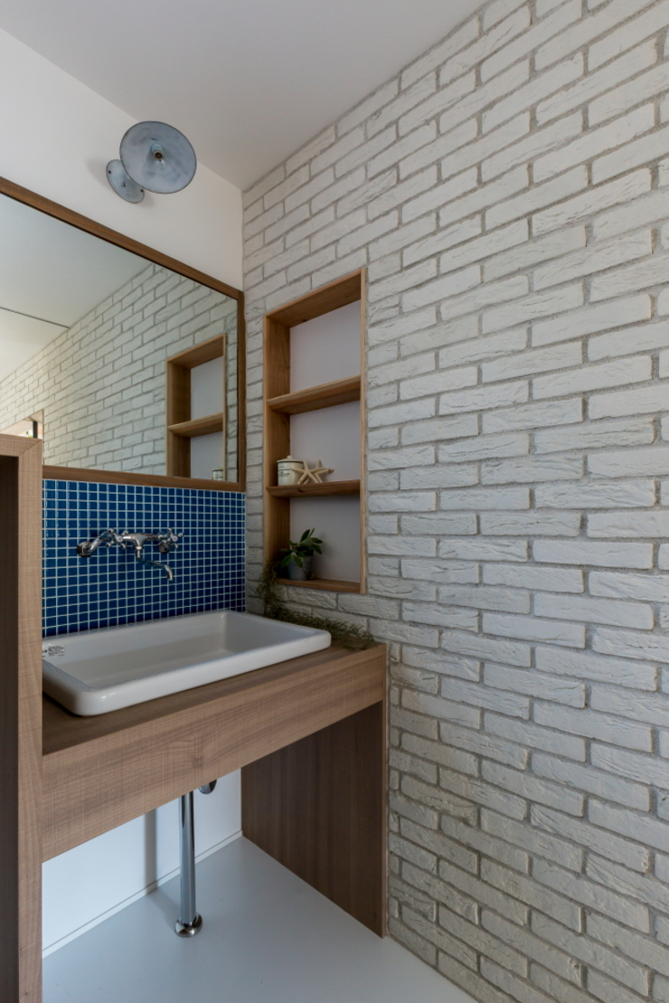 ALTS DESIGN OFFICE Baños de estilo rústico Madera Acabado en madera