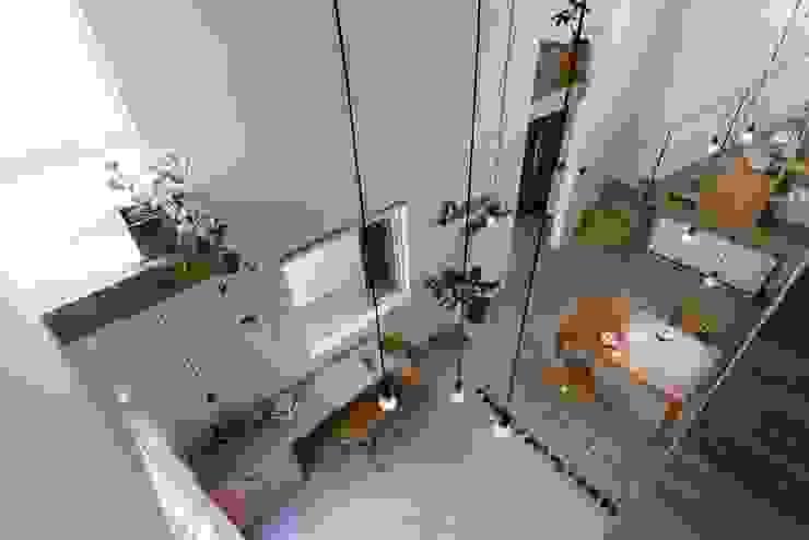 ALTS DESIGN OFFICE Comedores de estilo rústico Piedra Acabado en madera