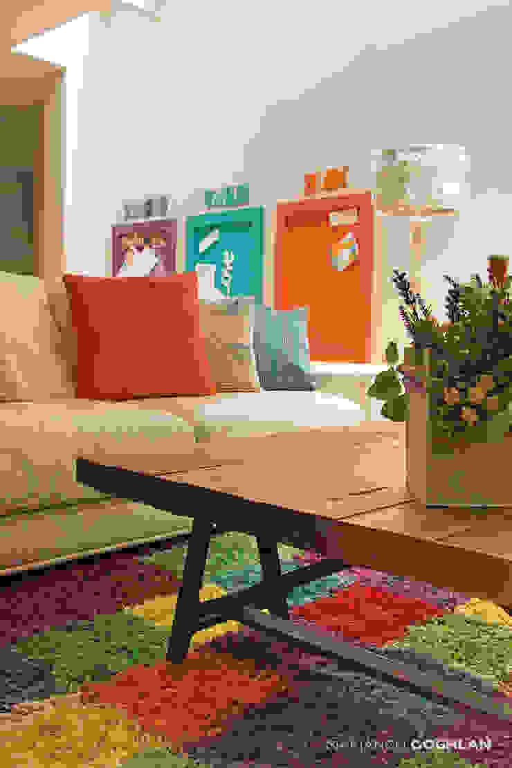 Sala estar familiar Salas de estilo moderno de MARIANGEL COGHLAN Moderno