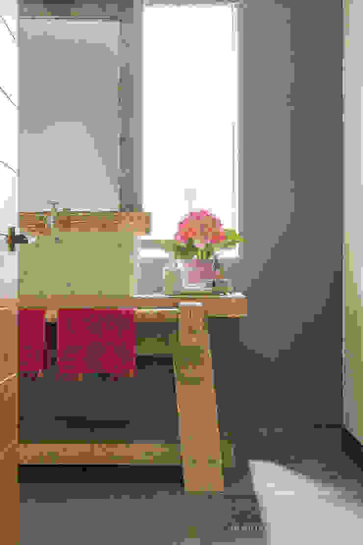 Baño Baños de estilo moderno de MARIANGEL COGHLAN Moderno