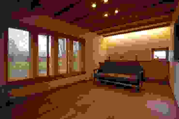 藤松建築設計室 ВітальняТабурети та стільці