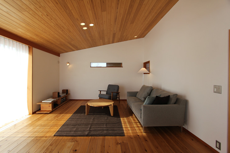 藤松建築設計室 Living roomSofas & armchairs