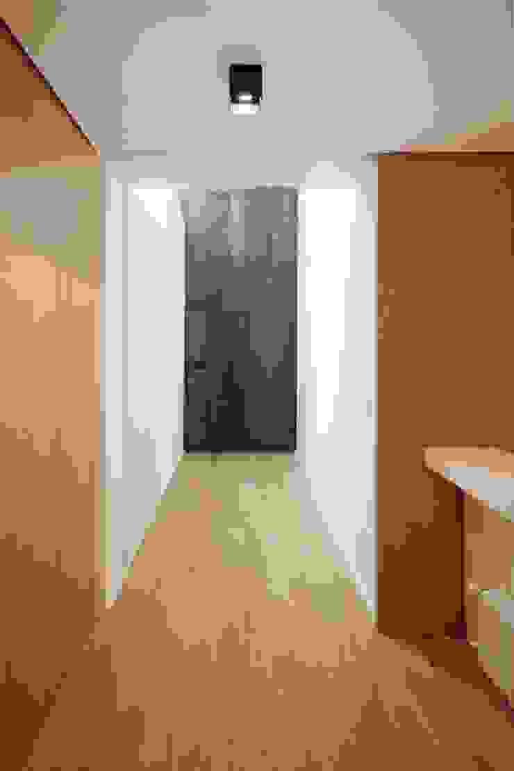 studioSAL_14 Corridor, hallway & stairsLighting Glass