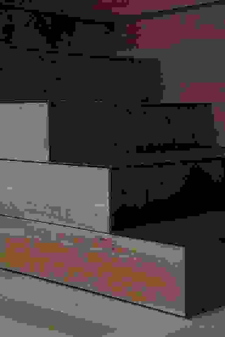 studioSAL_14 Corridor, hallway & stairsDrawers & shelves Wood
