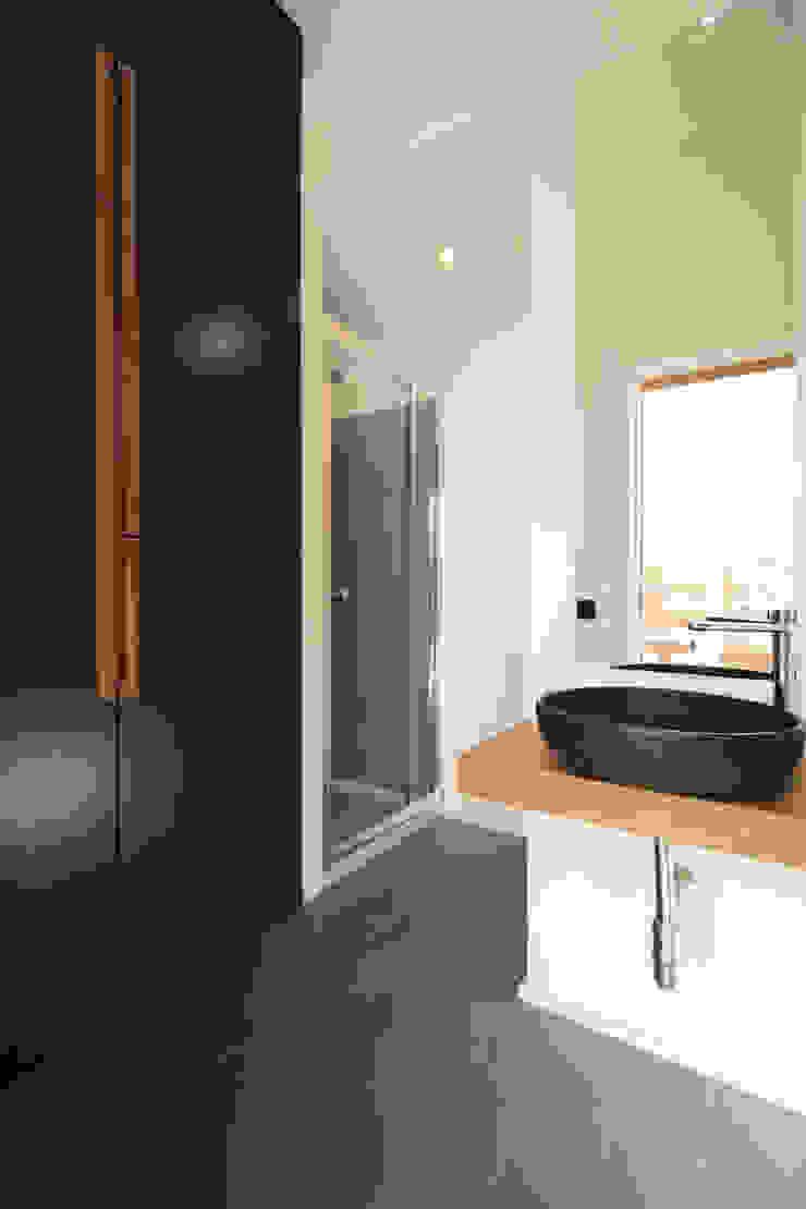 studioSAL_14 Minimalist bathroom Wood