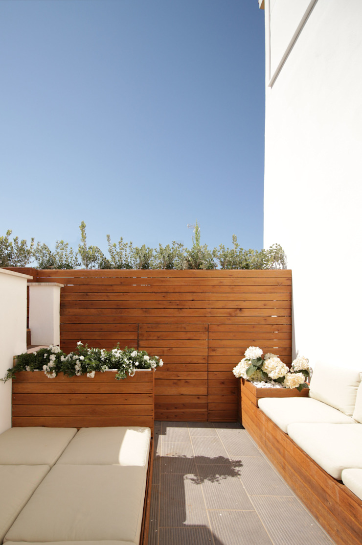 studioSAL_14 Minimalist balcony, veranda & terrace Wood