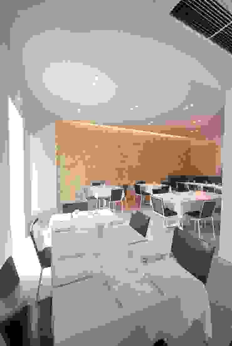 Viviana Pitrolo architetto Mediterranean style bars & clubs
