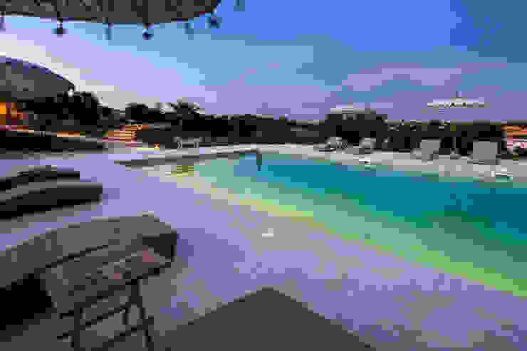 Pools im Landhausstil von Hi-cam Portugal Landhaus