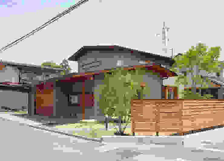 ビルトインガレージ: 藤松建築設計室が手掛けた現代のです。,モダン