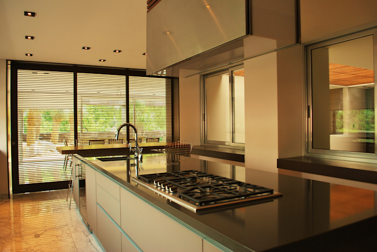 Modern kitchen by homify Modern Glass