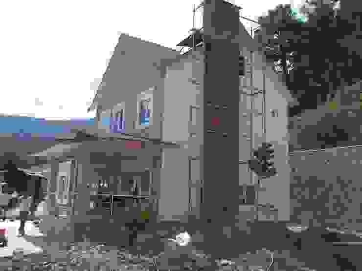 Modern houses by EGEUMUT ÇELİK YAPI Modern