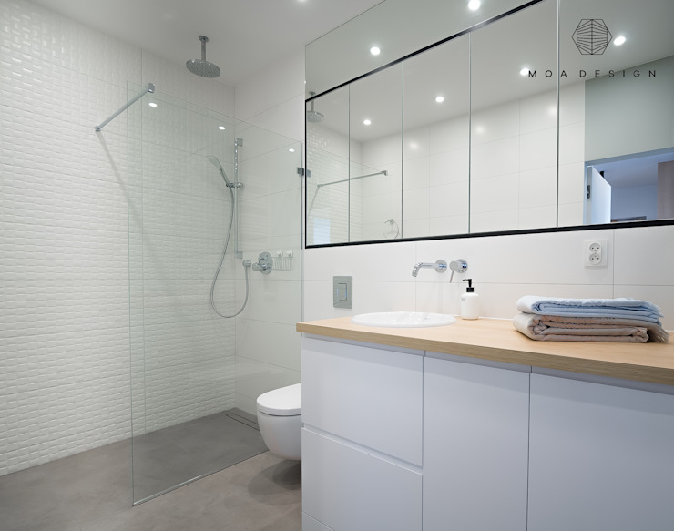 MOA design Scandinavian style bathroom White
