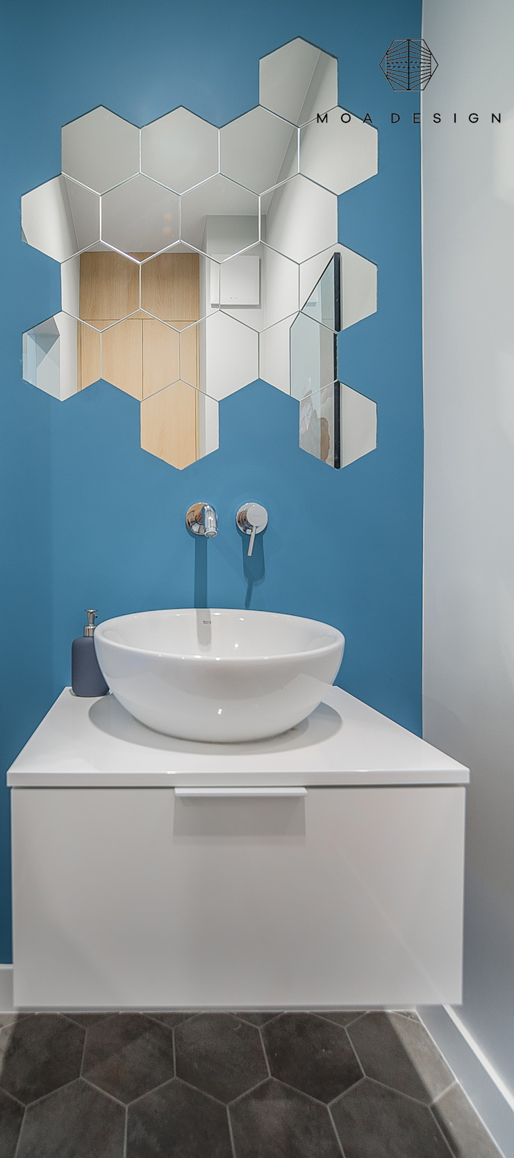 MOA design Scandinavian style bathroom Turquoise