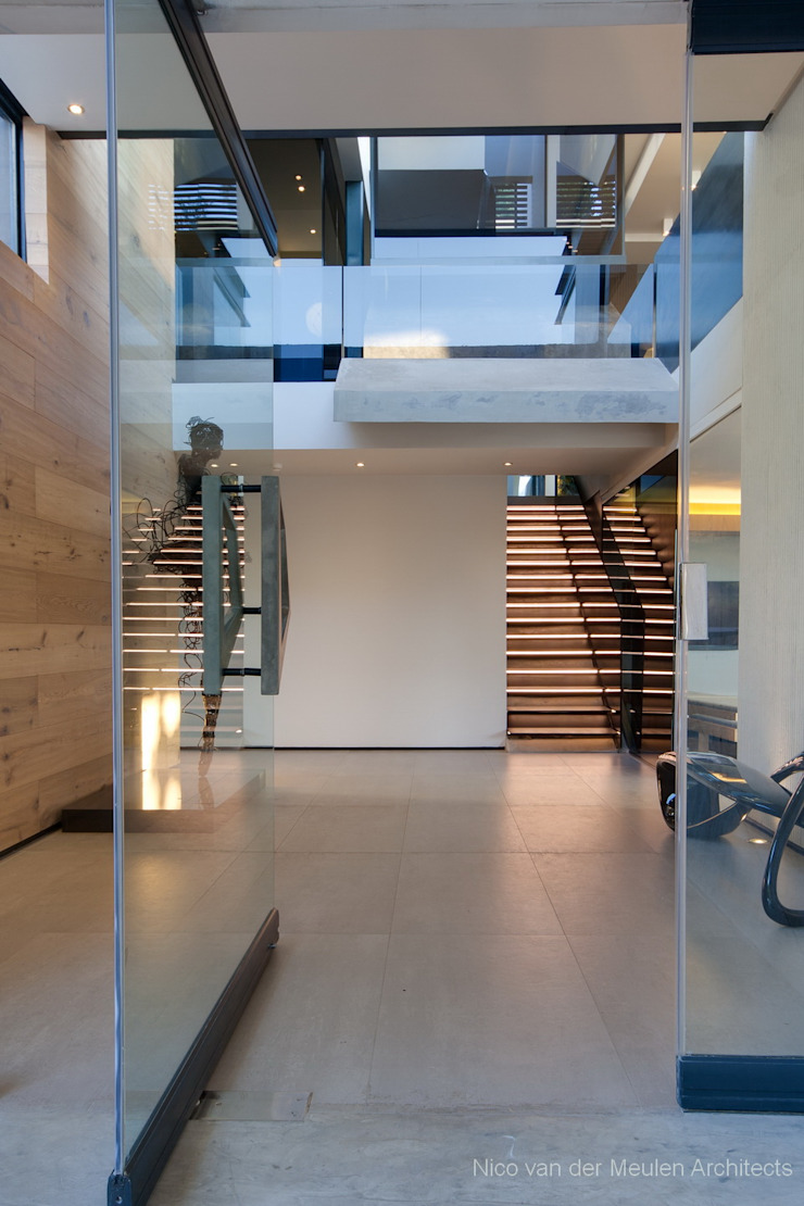 Concrete House Modern Corridor, Hallway and Staircase by Nico Van Der Meulen Architects Modern
