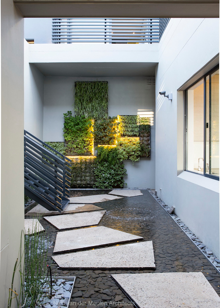 Concrete House Jardines de estilo moderno de Nico Van Der Meulen Architects Moderno