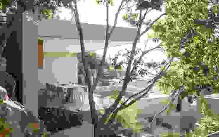 Concrete House Modern style gardens by Nico Van Der Meulen Architects Modern