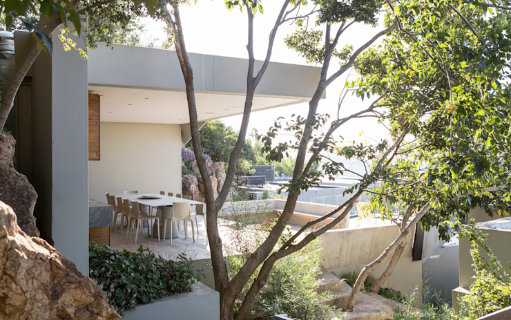 Concrete House Nowoczesny ogród od Nico Van Der Meulen Architects Nowoczesny