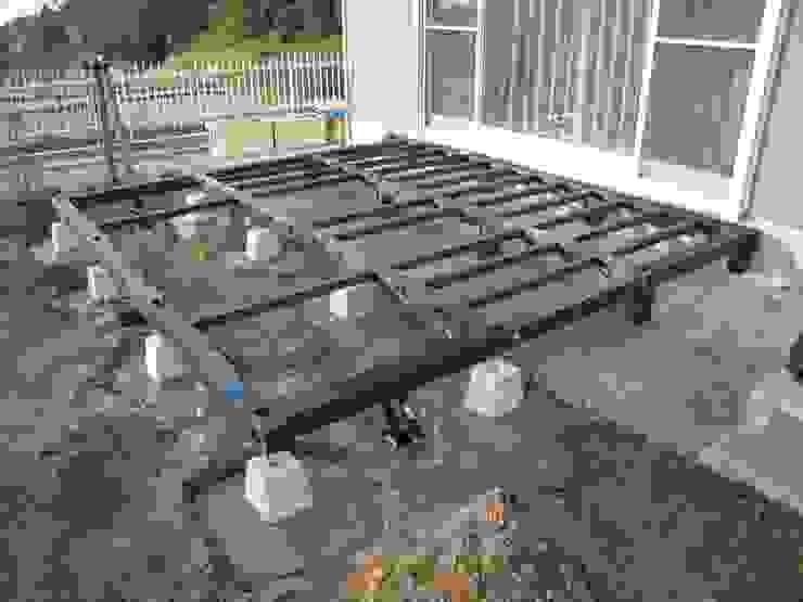 阿部建設 Balcones y terrazasMobiliario Madera Verde