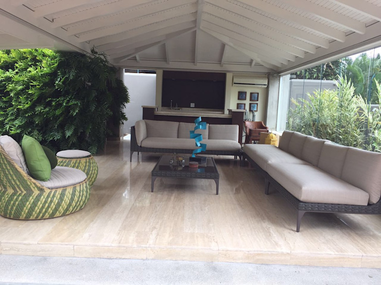 Ruang Keluarga Modern Oleh THE muebles Modern