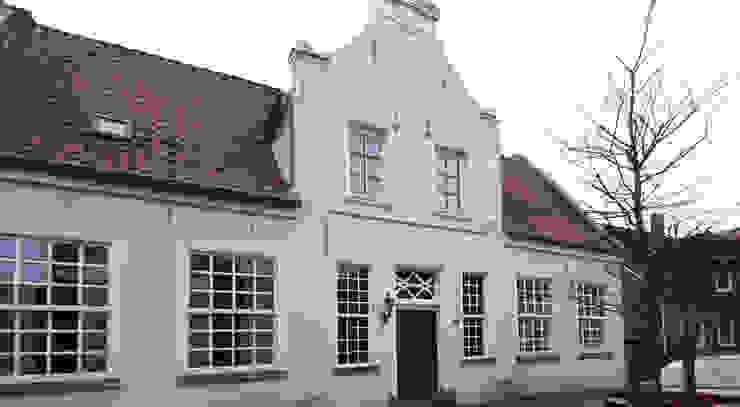 Studio Meuleneers Classic style houses Yellow
