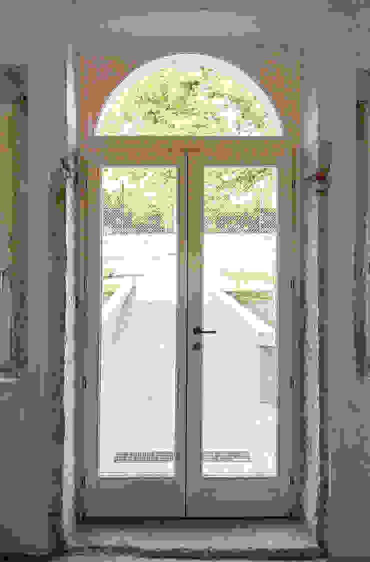 MORO SAS DI GIANNI MORO Classic windows & doors White