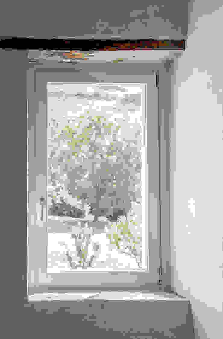 MORO SAS DI GIANNI MORO Classic style houses Wood White