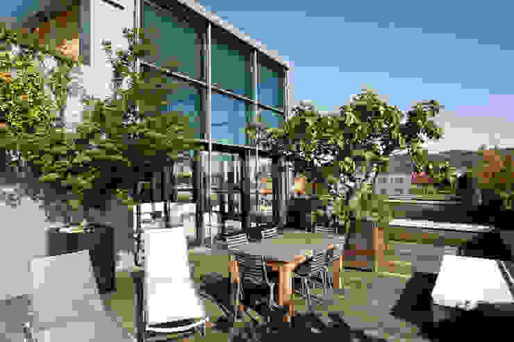 Nowoczesny balkon, taras i weranda od Studio Fabio Fantolino Nowoczesny