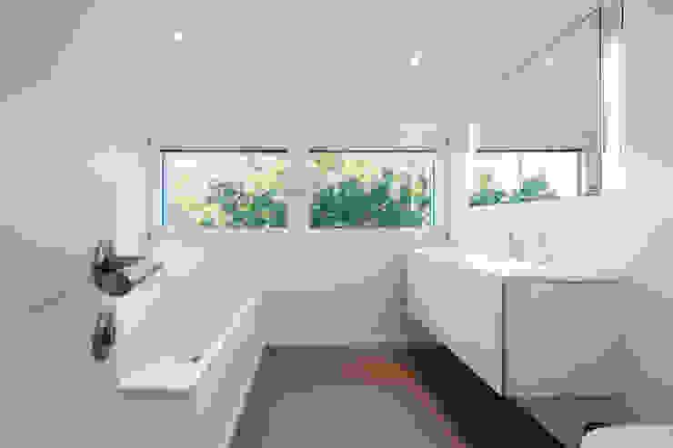 Salle de bain moderne par WSM ARCHITEKTEN Moderne