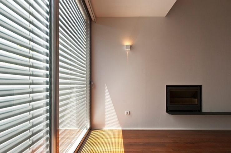 Salas de estar minimalistas por rui ventura | [v2a+e] Minimalista