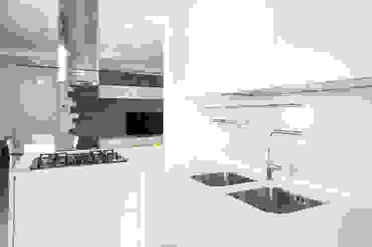 Abitazione privata Bagno moderno di Paolo Foglini Design Moderno Legno Effetto legno