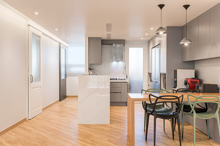 목동 1단지 아파트 인테리어_오래된 아파트의 색다른 변신 모던스타일 주방 by Design A3 모던 대리석