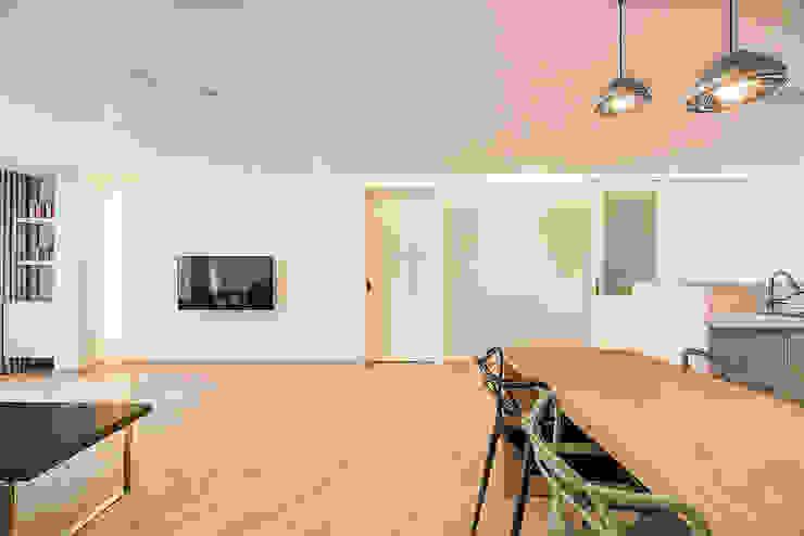 목동 1단지 아파트 인테리어_오래된 아파트의 색다른 변신 모던스타일 거실 by Design A3 모던