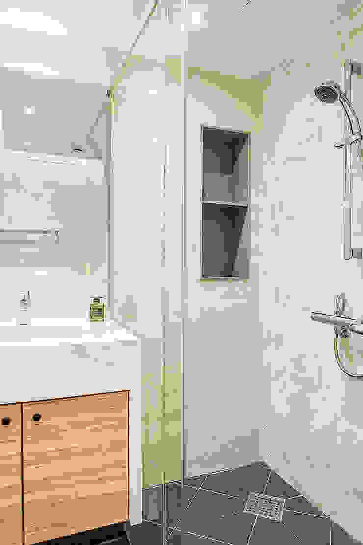 목동 1단지 아파트 인테리어_오래된 아파트의 색다른 변신 모던스타일 욕실 by Design A3 모던