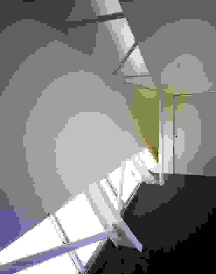 星設計室 Modern Walls and Floors