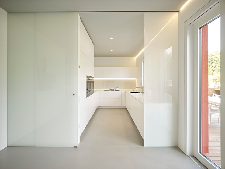 Kitchen by Burnazzi  Feltrin  Architects,