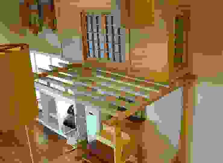 Salkım Proje Klasik Balkon, Veranda & Teras SALKIM ORMAN ÜRÜNLERİ SAN. VE TİC. LTD. ŞTİ Klasik