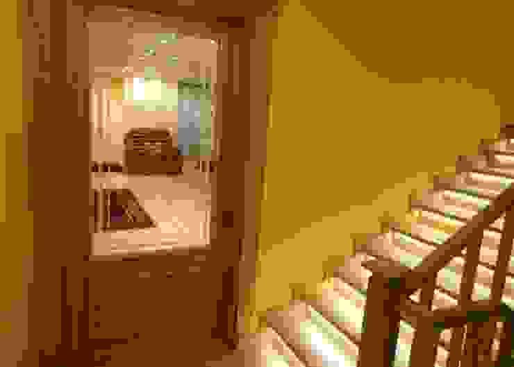 Salkım Proje Klasik Koridor, Hol & Merdivenler SALKIM ORMAN ÜRÜNLERİ SAN. VE TİC. LTD. ŞTİ Klasik