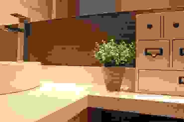 Baño de Habitaciones Baños de estilo moderno de homify Moderno