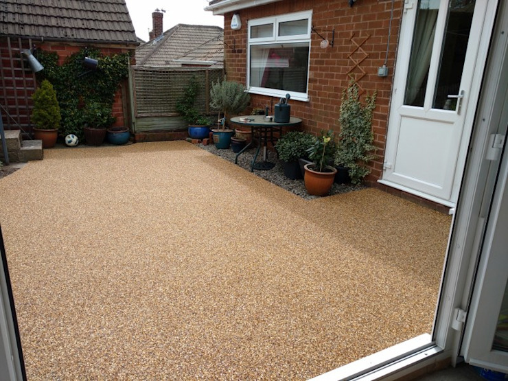 Resin Bound Path's & Patio's Permeable Paving Solutions UK Modern Garden Stone Amber/Gold