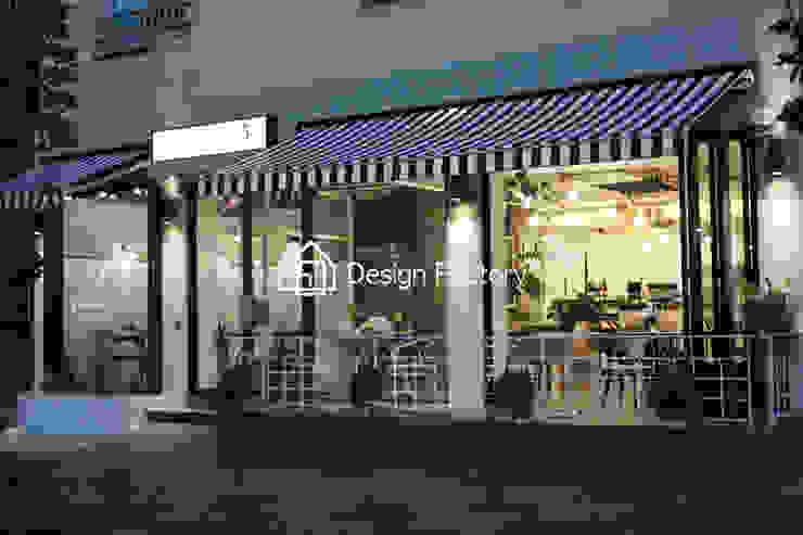 BRUNCH CAFE 'bonbeloo5' 스칸디나비아 주택 by 디자인팩토리 북유럽