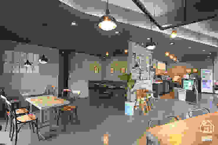 CAFE 'MONGNI MONGRI' 인더스트리얼 다이닝 룸 by 디자인팩토리 인더스트리얼