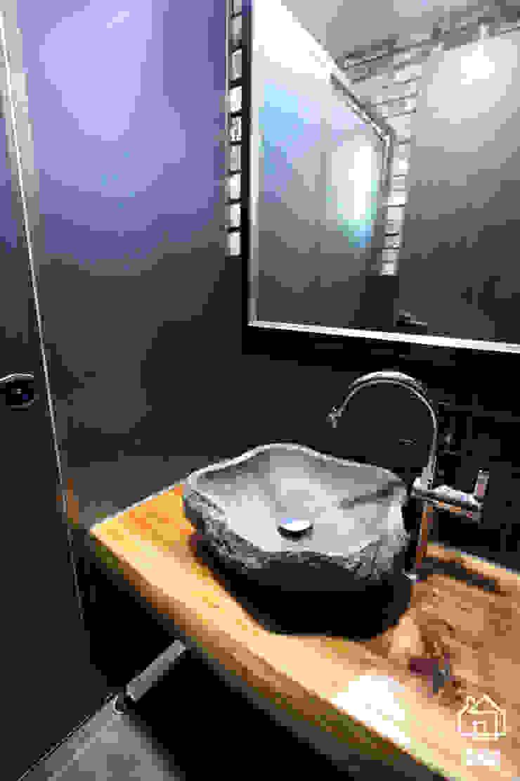 CAFE 'MONGNI MONGRI' 인더스트리얼 욕실 by 디자인팩토리 인더스트리얼