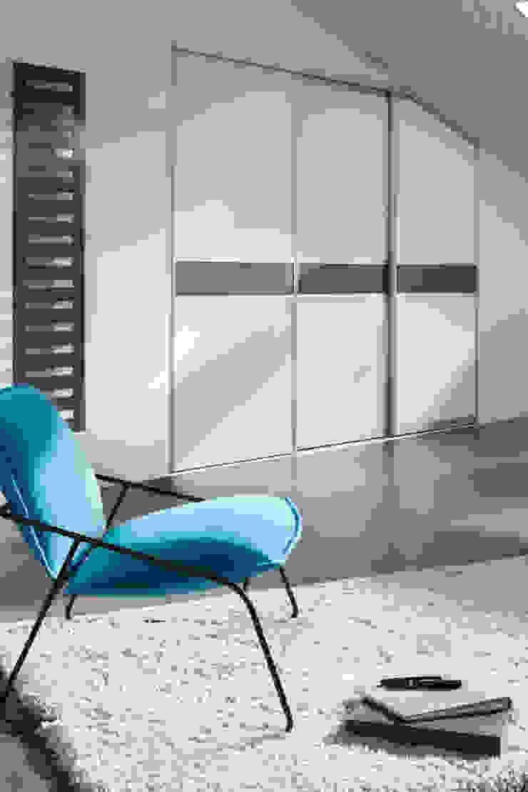Dormitorios de estilo moderno de Elfa Deutschland GmbH Moderno