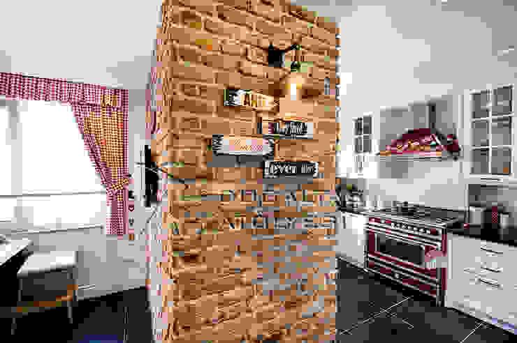 Doğaltaş Atölyesi Rustic style kitchen Bricks