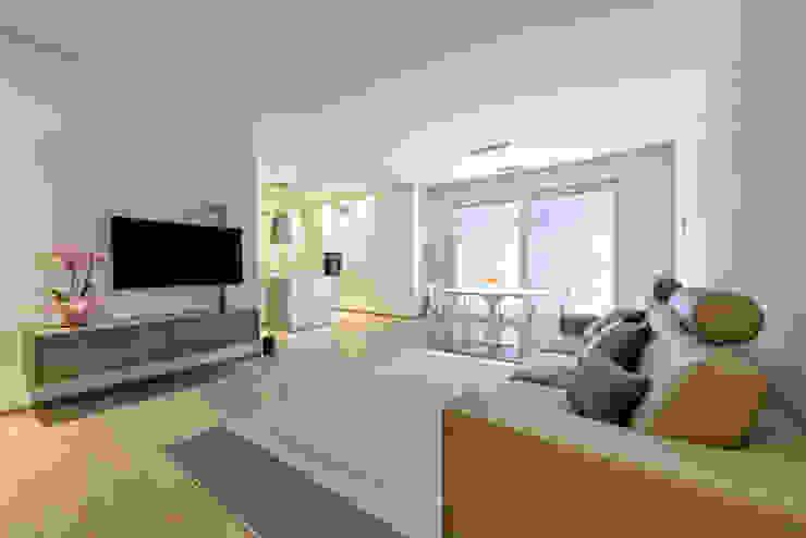 VILLE IN BIOEDILIZIA Living roomStools & chairs Beige