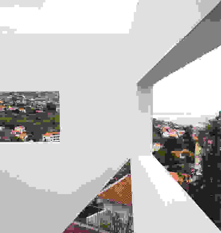 Moradia Unifamiliar por ARQG3 - Arquitectura e Design, Unipessoal Lda.
