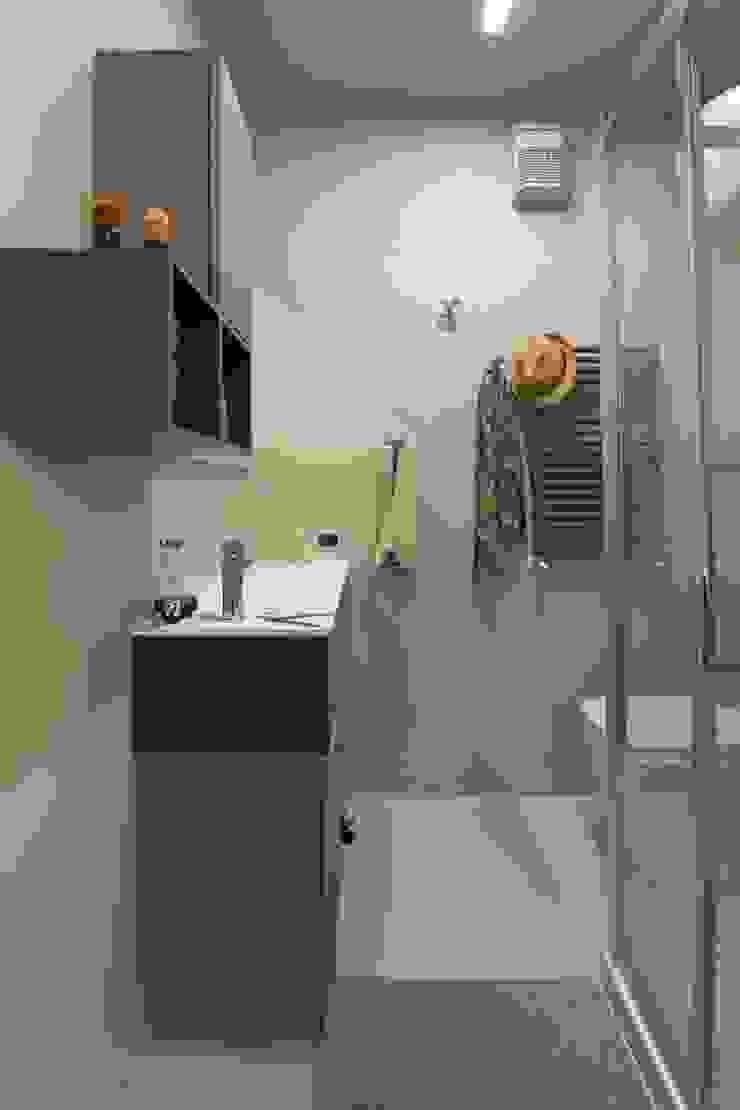 Baños de estilo moderno de Rachele Biancalani Studio Moderno