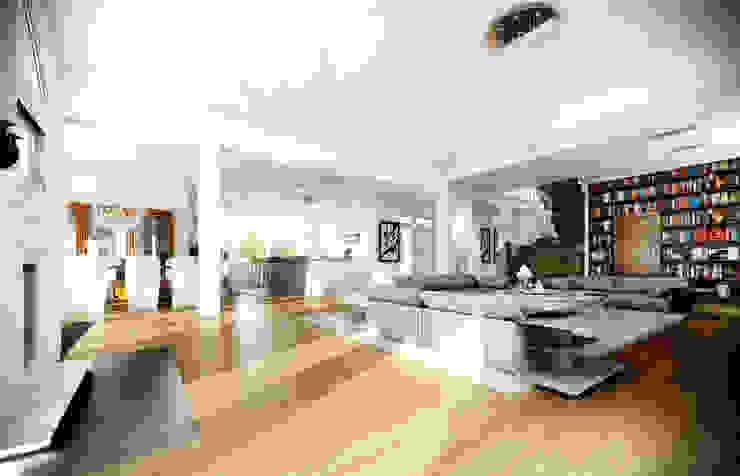 Rezydencja Parkowa: styl , w kategorii Salon zaprojektowany przez MG Projekt Projekty Domów,Nowoczesny
